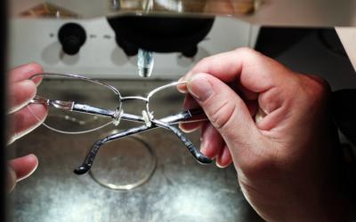 Szemüvegkeret-javítás